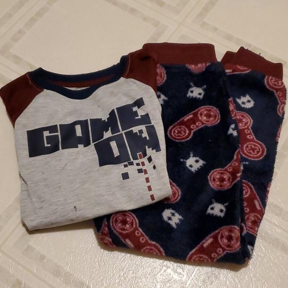Boys gamer pajamas 6/7